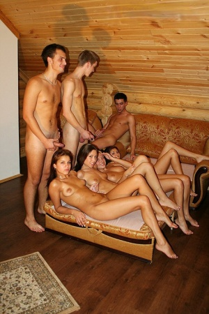 Naked Girls Party