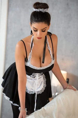 French Maid Naked Girls